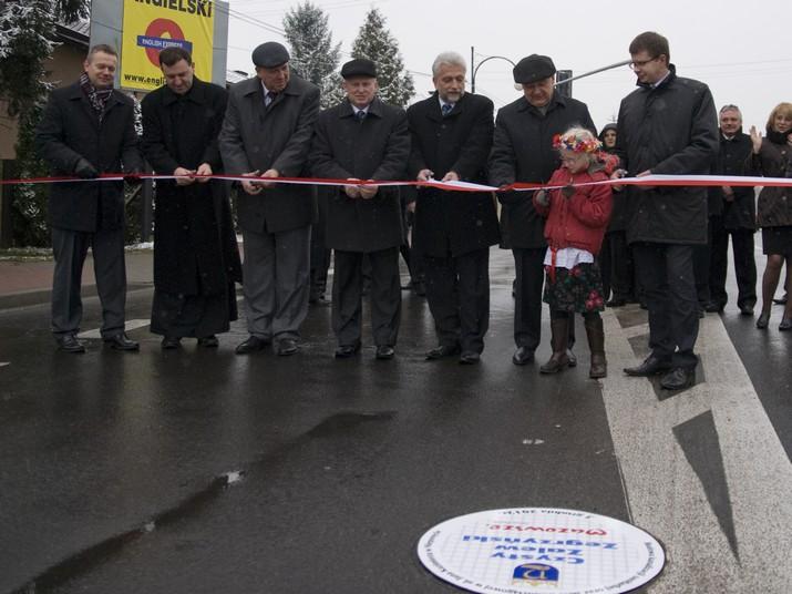 Uroczystość przekazania mieszkańcom inwestycji w ulicy Jana Kazimierza w Nieporęcie – sieci wodociągowej i kanalizacyjnej.