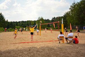 Galeria zdjęć: Gimnazjum z nowymi boiskami do piłki siatkowej plażowej